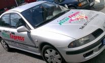 Fahrzeugbeschriftung für Pizzalieferdienst aus Esslingen