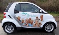 Fahrzeugfolierung im Digitaldruck für Pflegedienst aus Stuttgart