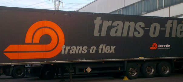 Auflegerbeschriftung für die Firma Trans-o-flex aus Stuttgart