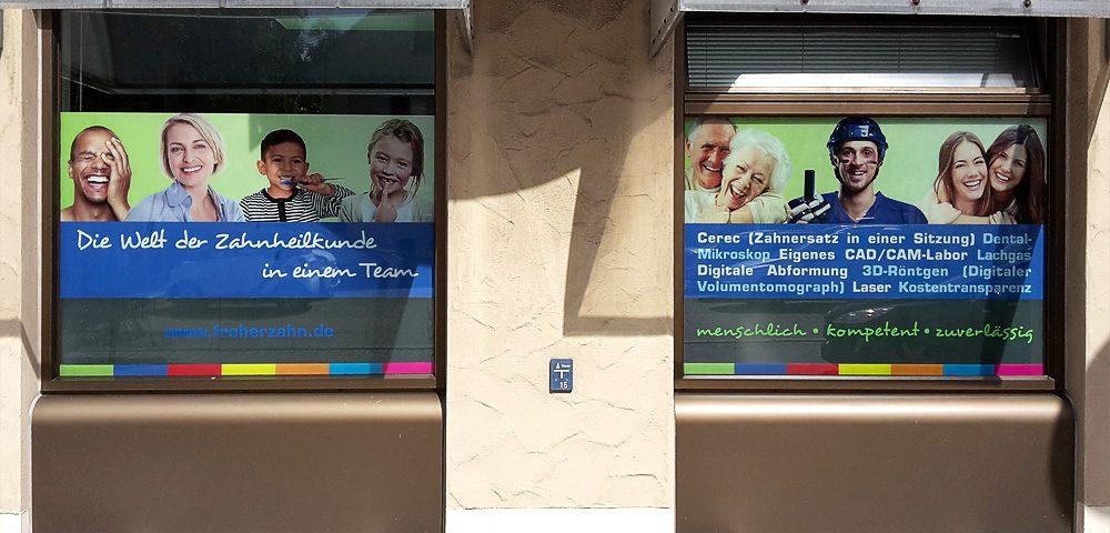 Schaufensterbeschriftung für die Zahnarztpraxis FroherZahn aus Stuttgart