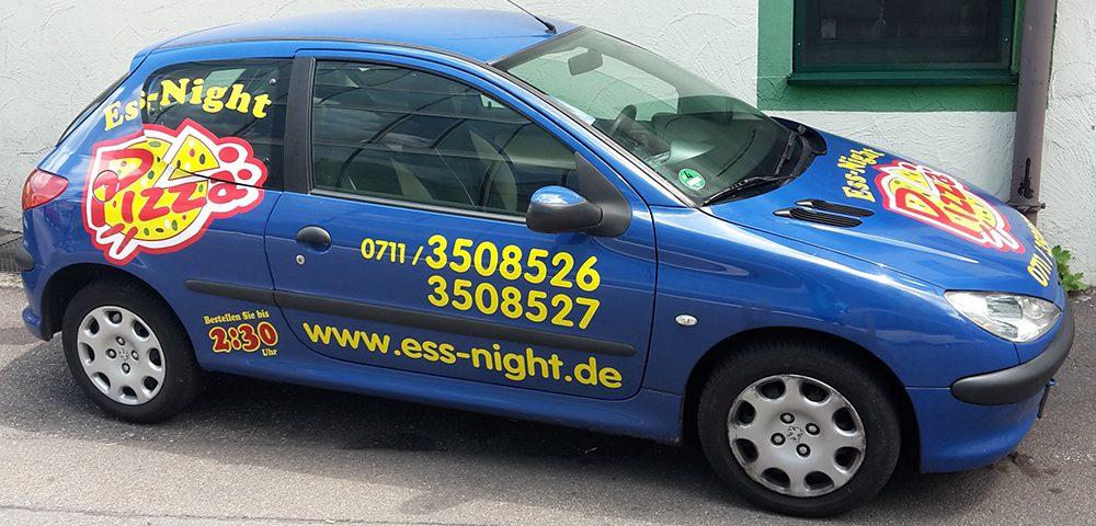 Autobeschriftung für den Pizzalieferdienst Ess Night aus Esslingen